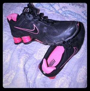 Size 6.5 Nike Shox Black and Pink